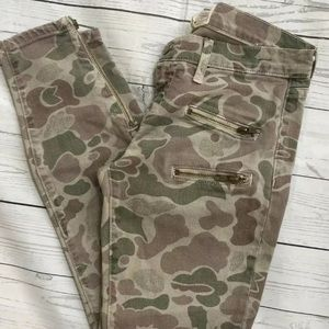 Current/Elliot Skinny Ankle Jean In Camo